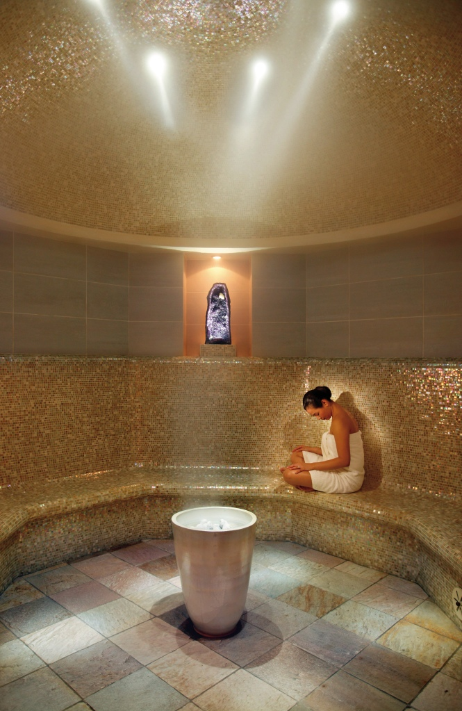 new-york-luxury-spa-amethyst-crystal-steam-room